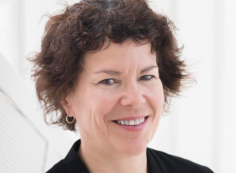 Johanne Turbide, secrétaire générale et directrice du développement durable de HEC Montréal, professeure titulaire au département des sciences comptables