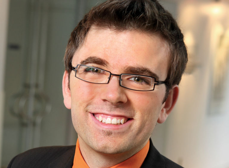 Jonathan Deschênes, professeur agrégé au département de marketing