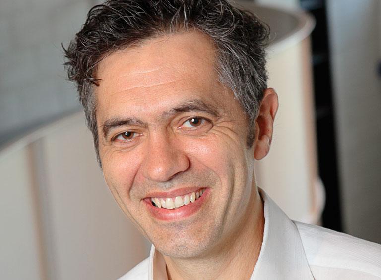 Yves-Marie Abraham, professeur agrégé au département de management